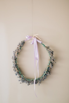 Corona di lavanda e nastro viola