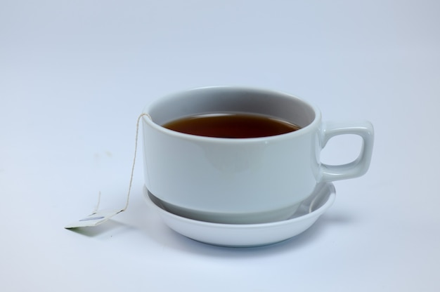 Tè al limone in tazza