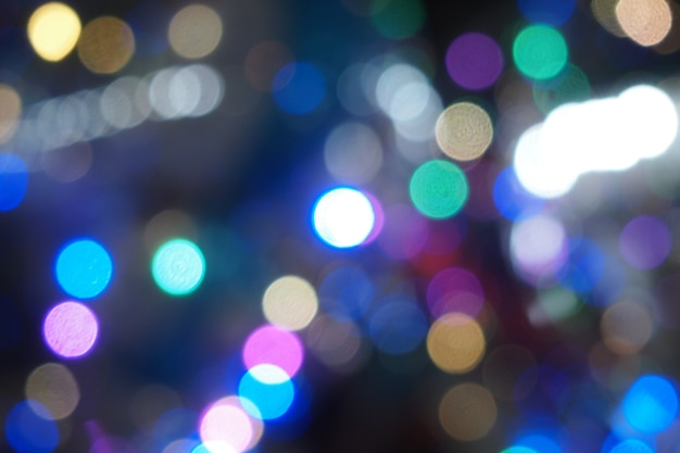 Effetti bokeh di lenti di luce nella notte