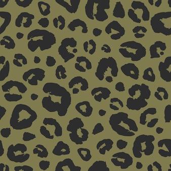 Fondo senza cuciture della stampa della pelle di leopardo. trama mimetica astratta macchia di pelliccia animale. stampa maculata disegnata a mano nera e kaki per tessuti, tessuti, carta da imballaggio, carta da parati.
