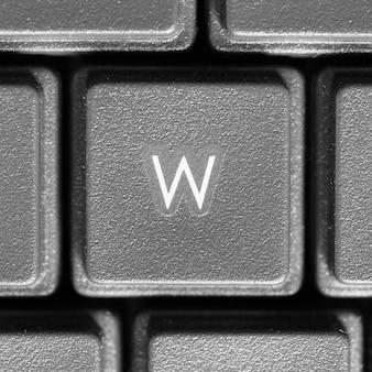 Lettera w sulla tastiera del computer