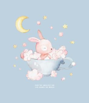 Coniglietto fa il bagno in una tazza