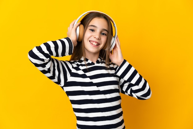 Musica d'ascolto isolata bambina