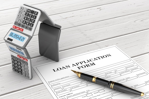 Modulo di richiesta di prestito con calcolatrici ipoteche a forma di casa e penna su un tavolo di legno. rendering 3d