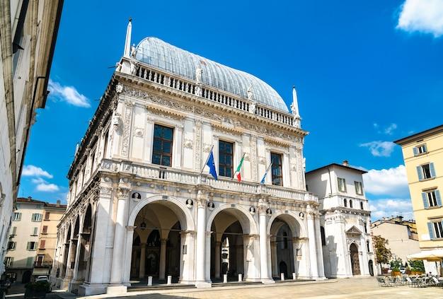 Palazzo loggia a brescia italia