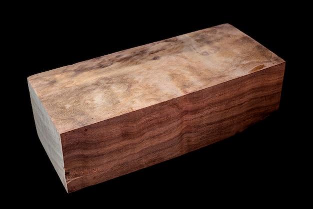 Registri di legno di cannella bellissimo motivo per l'artigianato sullo sfondo nero
