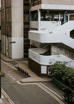 Edificio di londra, vista sulla strada del regno unito