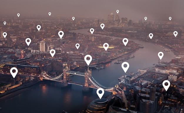 Londra e l'edificio per uffici metropolitano dell'ue europa per rete e concetto futuro