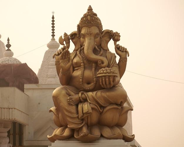 Statua del dio indù del signore ganesha