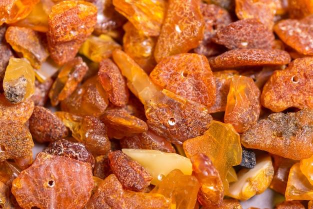 Lotto di perle sciolte di ambra baltica naturale, da vicino