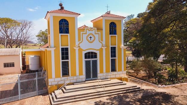 Luãs antonio sã£o paulo brasile - 09 agosto 2021: chiesa parrocchiale di santa luzia nella città di luãs antonio sp