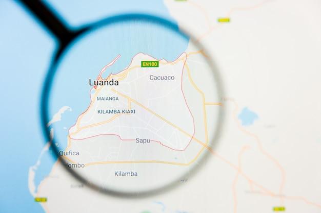 Concetto illustrativo di visualizzazione della città di luanda sullo schermo tramite la lente d'ingrandimento Foto Premium