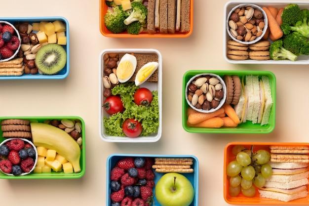 Disposizione dei cestini per il pranzo
