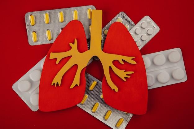 Polmone e pillole. concetto di assistenza sanitaria