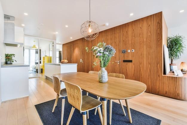 Lusso e bellissimo design degli interni della sala da pranzo
