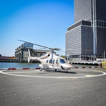 Elicottero di lusso pronto al decollo. nyc, usa
