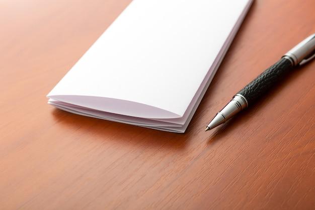 Macro di lettera e penna