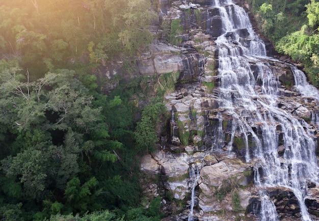 Mae ya waterfall doi inthanon, chiang mai thailandia