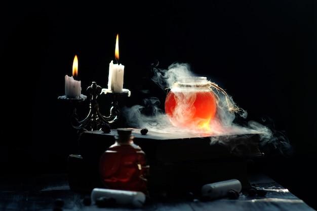 Concetto di magia e magia.