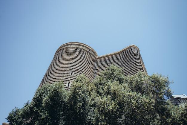 La torre della fanciulla conosciuta anche come giz galasi, situata nella città vecchia di baku.