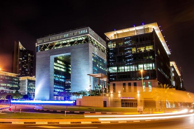 Edificio principale del centro finanziario internazionale di dubai