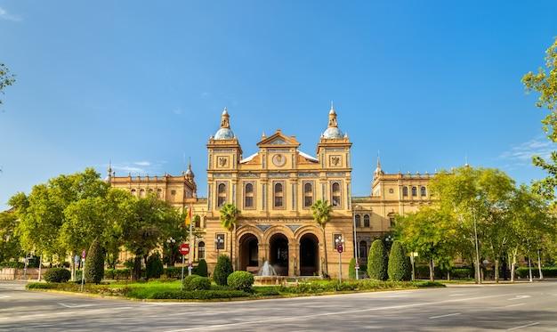 Edificio principale di plaza de espana, un complesso architettonico a siviglia - spagna, andalusia