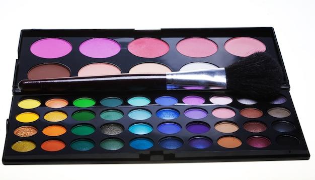 Collezione di make-up su sfondo bianco Foto Premium