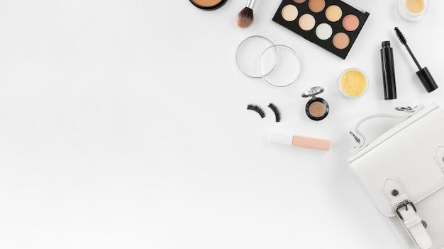 Make up prodotti con copia-spazio