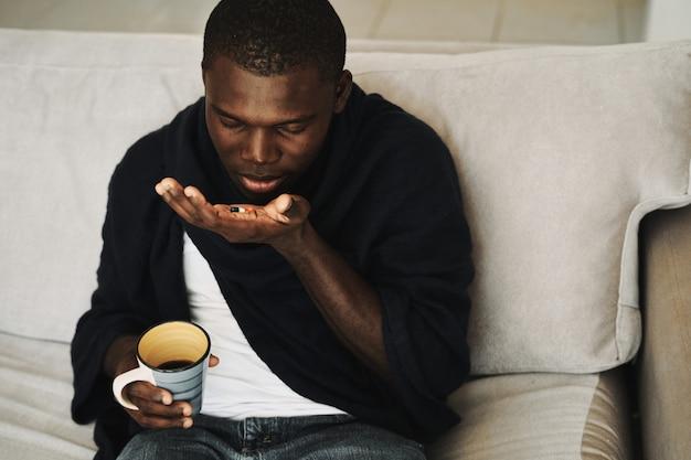 Freddo nero maschile, influenza, virus, malattia