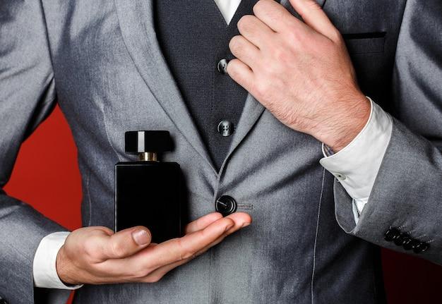 Fragranza maschile, profumeria, cosmetica