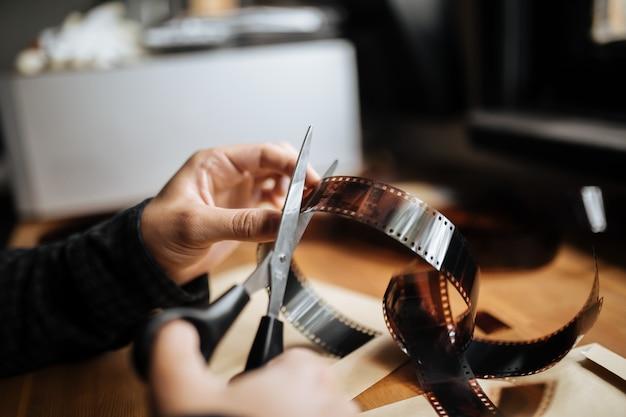 Mani maschili taglio film vintage 35mm