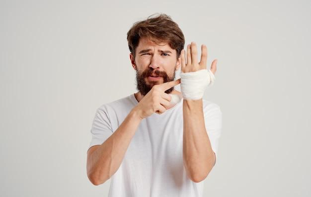 Lesione di problemi di salute della mano sporca del paziente maschio
