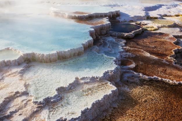 Mammoth hot springs a yellowstone np, usa