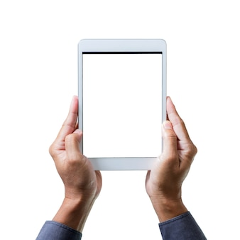 Man mano che tiene un tablet computer gadget con schermo isolato