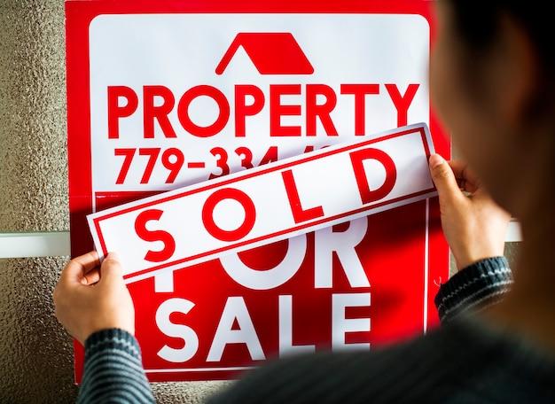 L'uomo ha venduto la casa