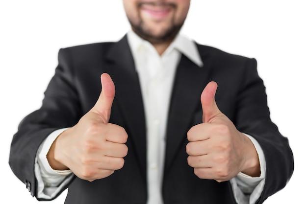 Uomo in completo stile business gesto eccellente