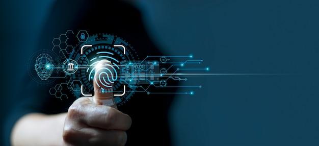 Uomo che utilizza l'identificazione delle impronte digitali per accedere ai dati finanziari personali sicurezza biometrica ekyc