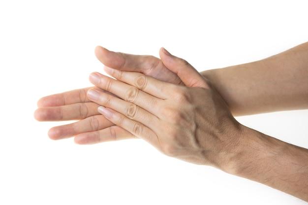 Uomo che si lava le mani isolato su sfondo bianco