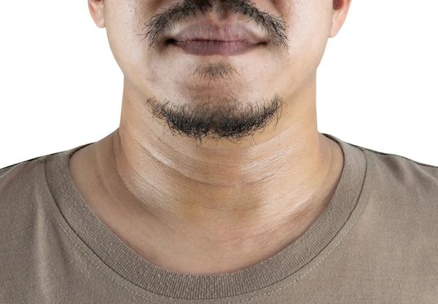 Uomo con i baffi su sfondo bianco