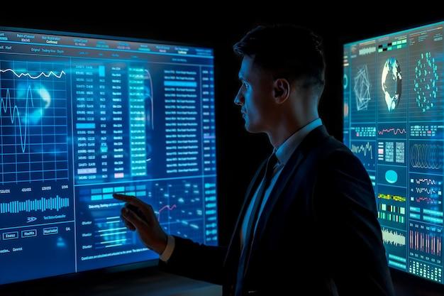 L'uomo che lavora su un display blu del sensore nello spazio buio