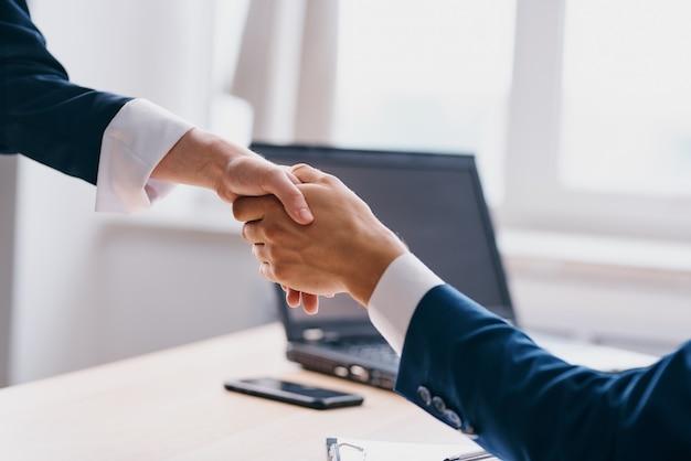 Manager affari affare lavoro di squadra comunicazione funzionari finanziari