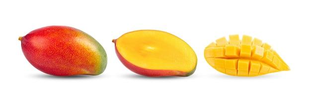 Frutto di mango su bianco