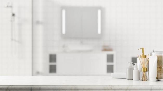 Piano del bagno in marmo con accessori da bagno e spazio mockup sullo sfondo del bagno