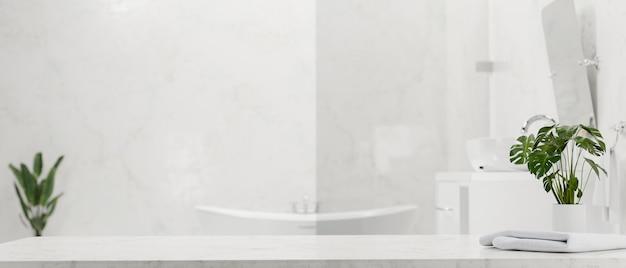 Piano del tavolo in marmo per il montaggio con asciugamano e pianta d'appartamento su rendering 3d del bagno moderno di eleganza