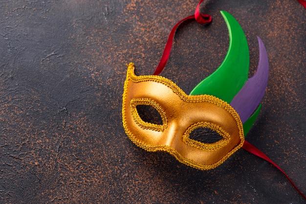 Sfondo di mardi gras con maschera di carnevale