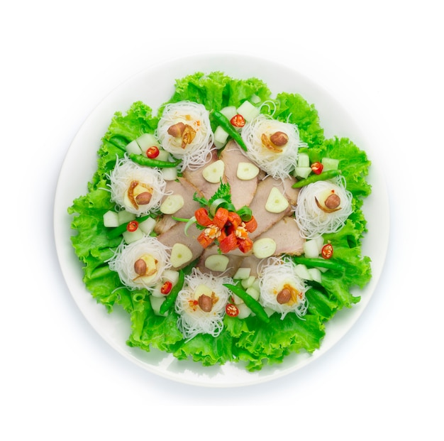 Maiale marinato alla griglia servire con contorno di vermicelli con salse dolci