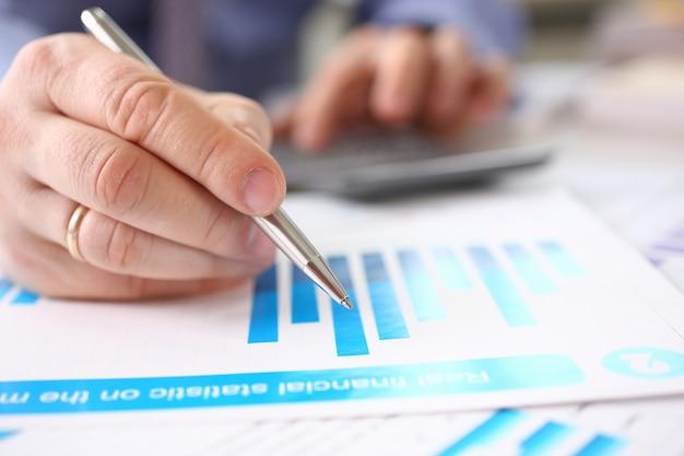 Saldo del credito del debito della contabilità aziendale di marketing