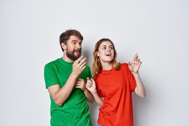 Coppia sposata divertente comunicazione insieme amicizia studio lifestyle