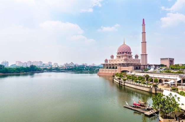Masjid putra a putrajaya, malesia