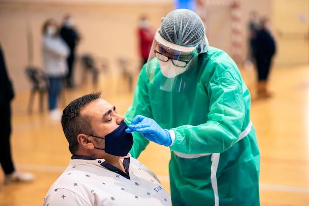 Il test di massa è uno strumento molto importante per l'individuazione della pandemia covid-19